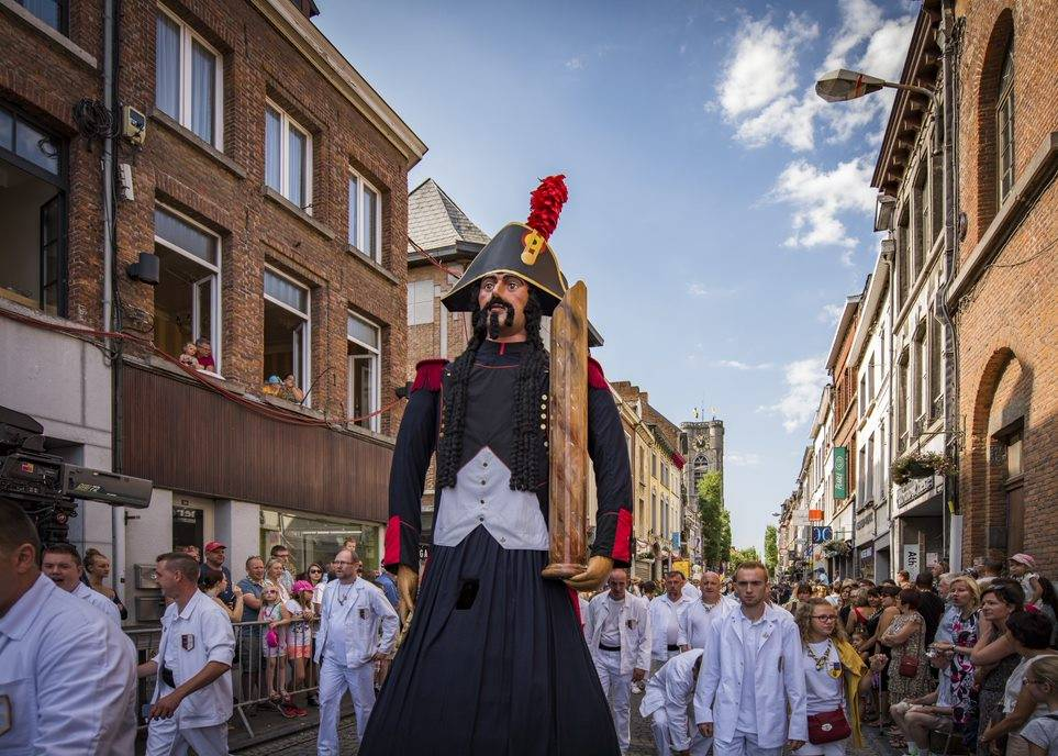 Samson L Van den Eynde